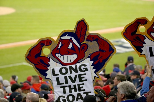 ct-cubs-chief-wahoo-met-20161026